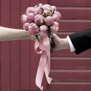 wedding photo of pink flowers